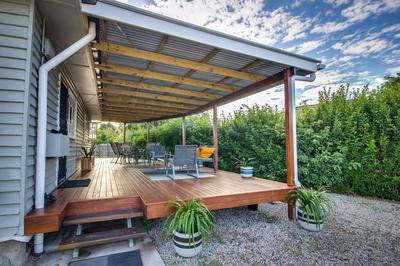 Northside low level Deck & Colorbond Roof